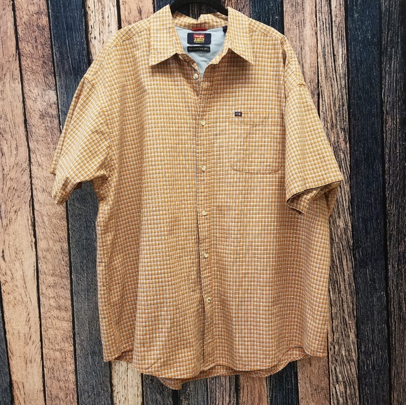 7104a569 Shirts | Wrangler Orange Plaid Button Down | Poshmark